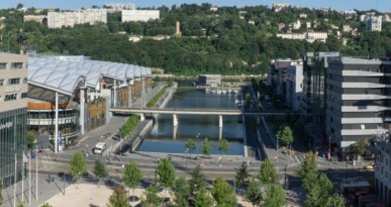Achat / Vente immobilier neuf Lyon 2 Confluence à 100 mètres du tramway (69002) - Réf. 2023